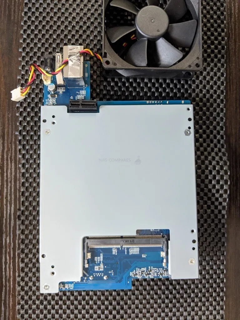 Synology DS220 + NAS拆机插图18